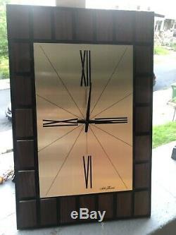 Seth Thomas Portrait Wall Clock 2670-000 Mid Century Modern