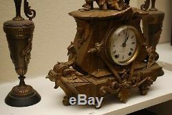 Seth Thomas Sons No-8028 spelter figural mantle clock runs