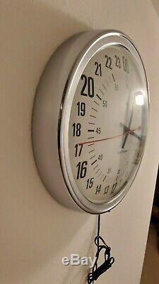 Vintage 1950s Seth Thomas Electric 24 Hour UTC Dial Wall Clock