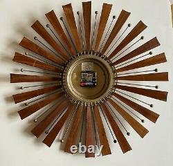 Vintage SETH THOMAS MID CENTURY SUNBURST ATOMIC Wall CLOCK MCM E626-001 Working