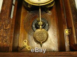 Vintage Seth Thomas USA Wood Gingerbread Mantle Shelf CLOCK Face & Wings Design
